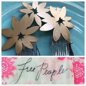 Free People Daisy Hair Comb